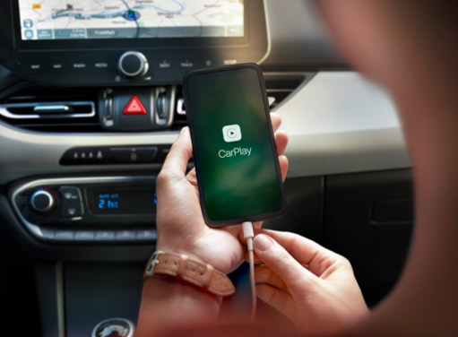 Apple CarPlay™<sup>3,5</sup> and 